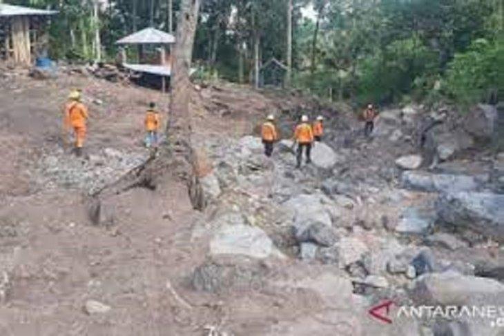 Operasi pencarian korban banjir bandang di Adonara diperpanjang