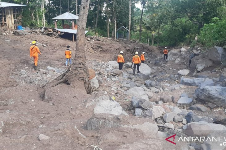 Search efforts continued to locate two untraceable Adonara islanders