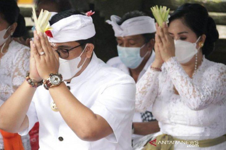 Bupati Tabanan laksanakan persembahyangan di Pura Luhur Batukau