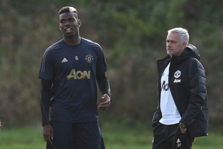 Paul Pogba bongkar perilaku buruk Mourinho, puji Solskjaer