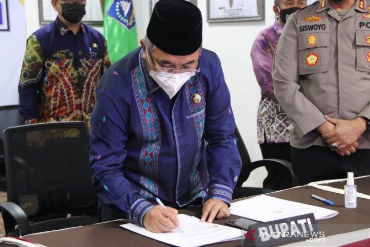 MoU Pemkab HSS dan Polda Kalsel untuk rekrutmen proaktif Bintara Polri