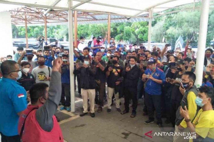 Disnaker Kapuas Hulu buka posko pengaduan buruh