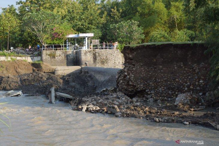 Dam Jebol Akibat Banjir di Madiun