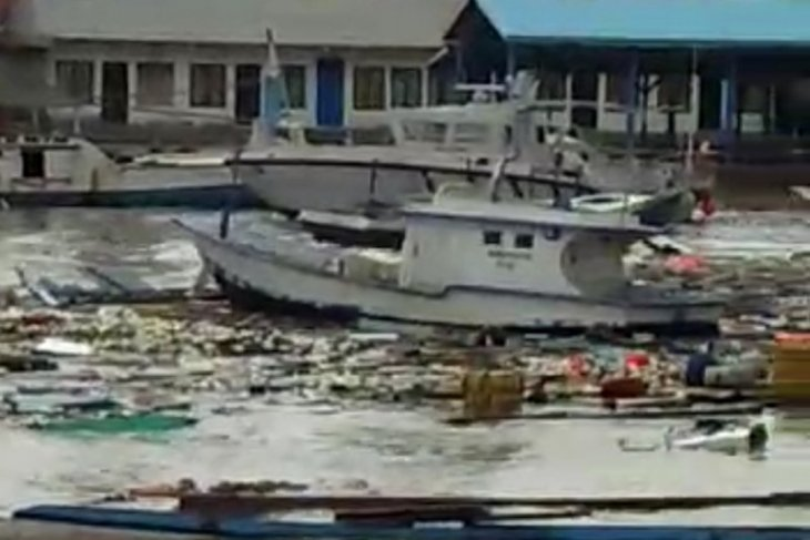 Kapal cakalang milik Nasir tenggelam disapu badai