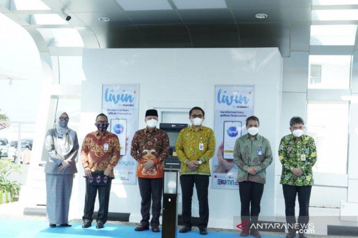 Bank Mandiri  bank pertama di Bengkulu berlakukan