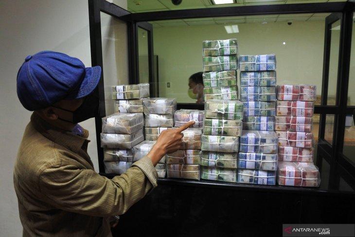 Kebutuhan Uang Kartal Selama Ramadhan di Jember
