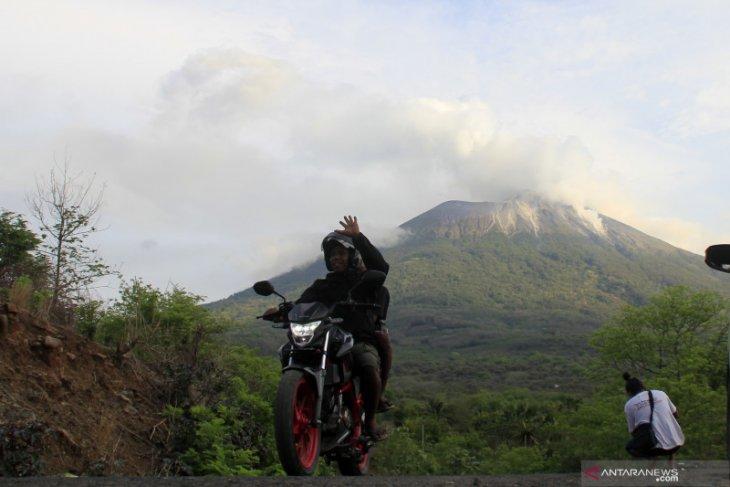 Gunung Ili Lewotolok kembali erupsi mencapai 1.500 meter
