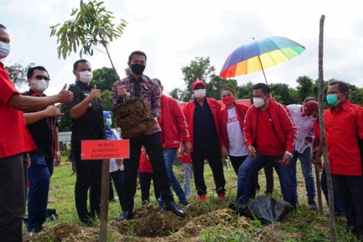 Bupati Kapuas Hulu dukung gerakan menanam pohon PDI Perjuangan
