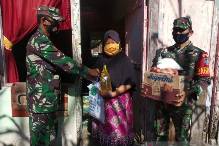 Kodim Aceh Jaya salurkan bantuan sembako bagi lansia di Aceh Jaya