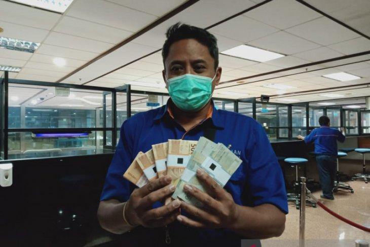 Masyarakat bisa lakukan penukaran uang pecahan baru di bank
