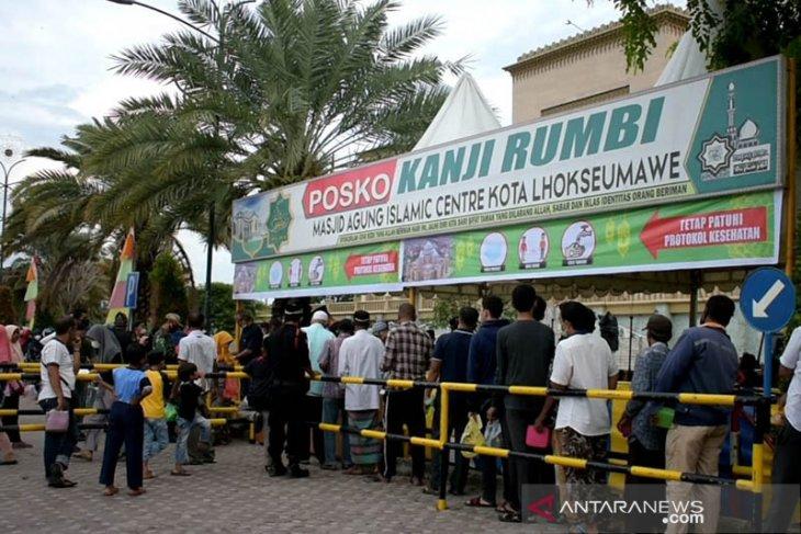 Masjid Islamic Center Lhokseumawe bagikan kanji rumbi gratis