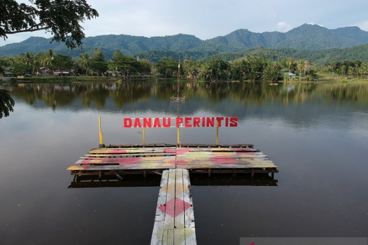 Danau Perintis jadi lokasi ngabuburit di Bone Bolango