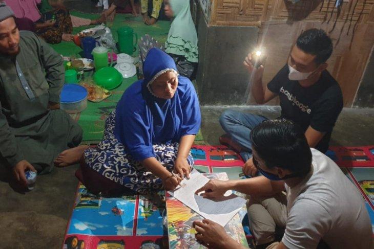 Lagi panen sawit, warga tewas tersengat listrik di Pangkalan Susu Langkat