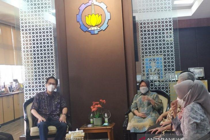 Datangi ITS, Mensos Risma petakan daerah rawan bencana di Indonesia