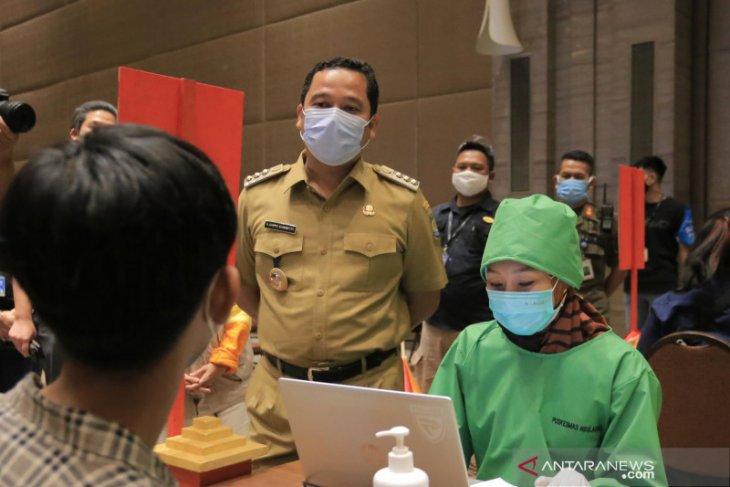 Pemkot Tangerang telah vaksinasi 70.949 warga  dengan kategori prioritas