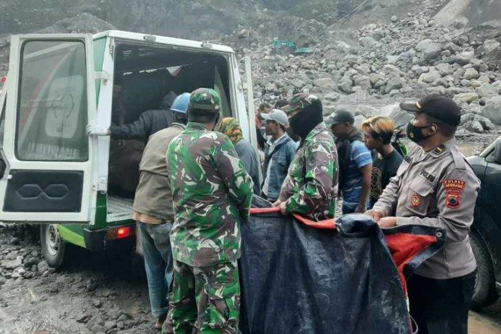 Tiga penambang meninggal tertimbun longsor, dua orang luka-luka