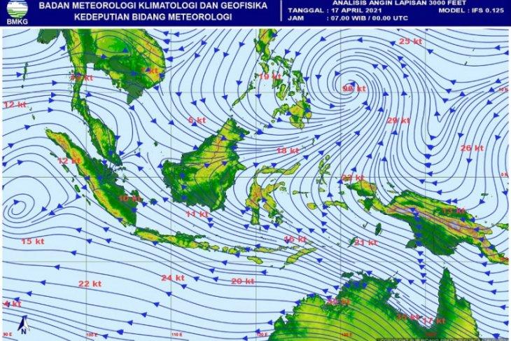 Pusaran siklonik di Samudera Hindia penyebab terjadinya cuaca ektrim di Jambi