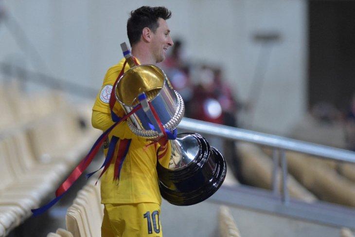 Messi cetak rekor pemain kedua terbanyak peroleh trofi