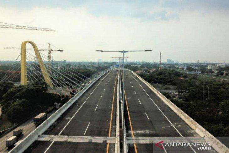 Penamaan Jalan Tol layang Mohamed Bin Zayed itu sah-sah saja