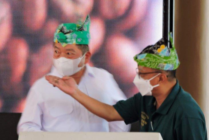 Menteri PPN luncurkan Golden Wood Coffee Situbondo