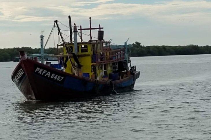 Kapal ikan ilegal berbendera Malaysia kembali disergap KKP