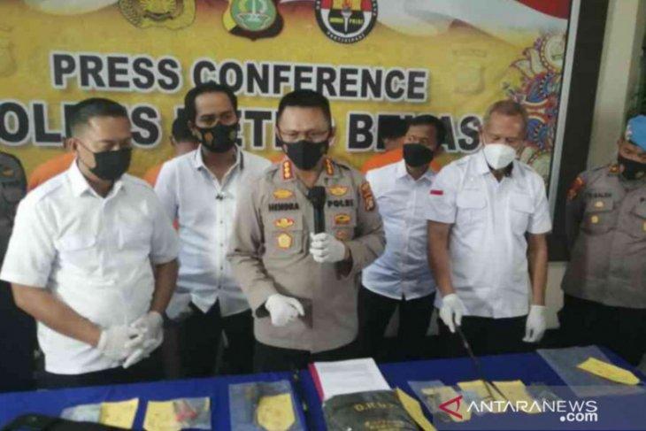 Polisi ungkap modus dan peran empat pelaku ganjal ATM di Bekasi