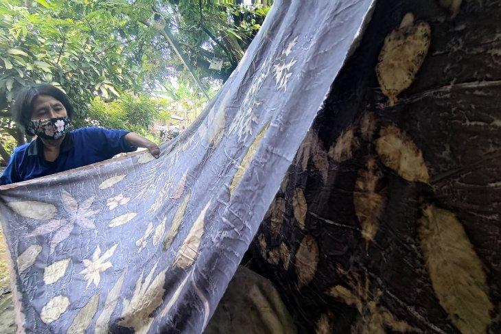 Kerajinan Batik Penyandang Disabilitas