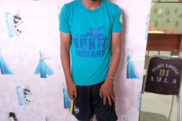 Mengaku bisa mengobati penyakit Fahrizal warga Tanjungpura cabuli tiga pasiennya