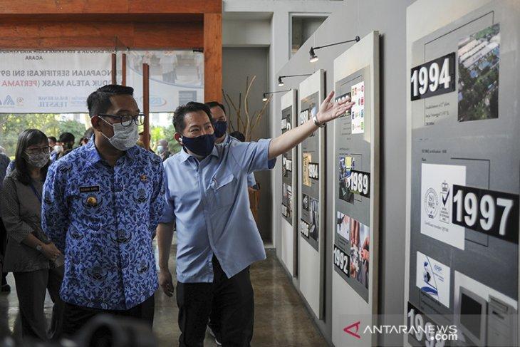 Penyerahan sertifikasi SNI masker Ateja