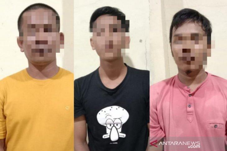 Tiga warga Nagan Raya ditangkap diduga jual chip domino