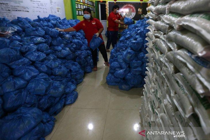 Bantuan Sembako dari Etnis Tionghoa