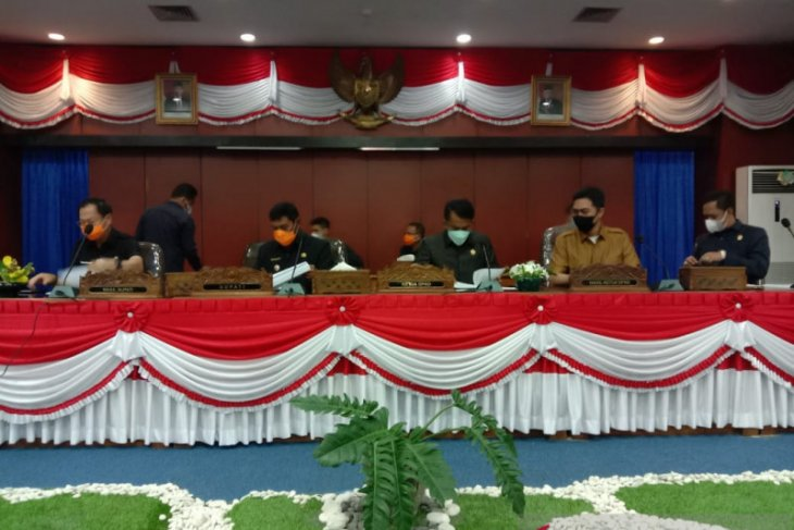 DPRD Belitung sayangkan banyak kepala OPD tidak menghadiri paripurna