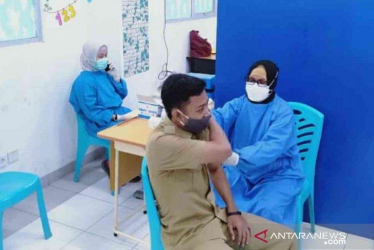 15.328 tenaga pendidik di Bekasi sudah dapat vaksinasi COVID-19