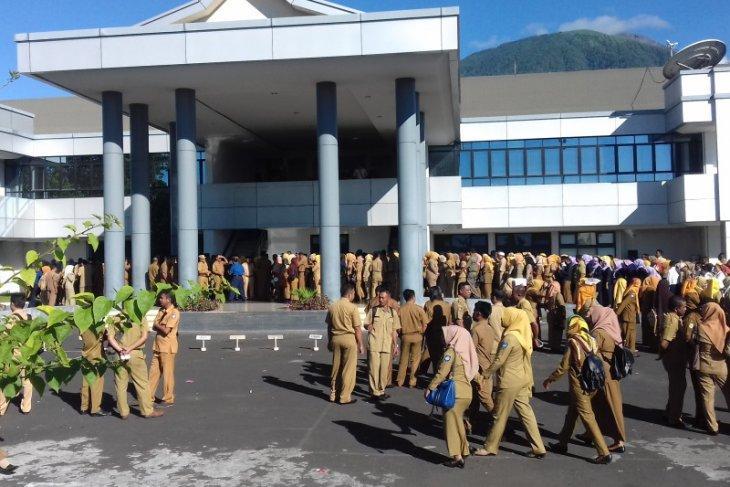 Pemkot Ternate masih  tunggu regulasi pembayaran THR dari pemerintah pusat