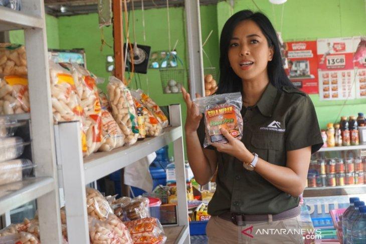 Video - Kunjungi HSS, artis ibukota Yeslin Wang promosikan produk binaan CSR PT AGM