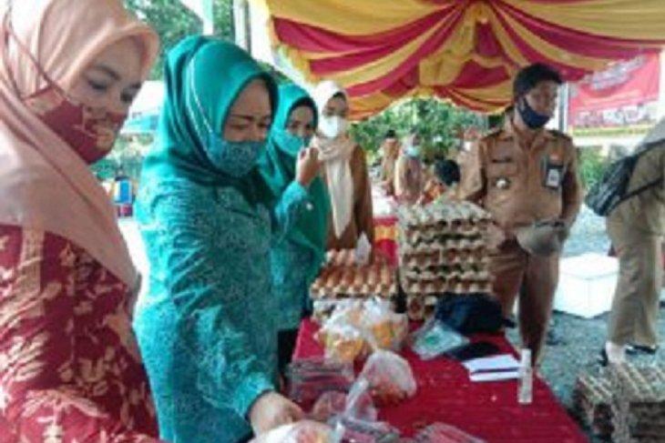Ketua PKK Tanah Bumbu buka Pasar Murah Ramadhan