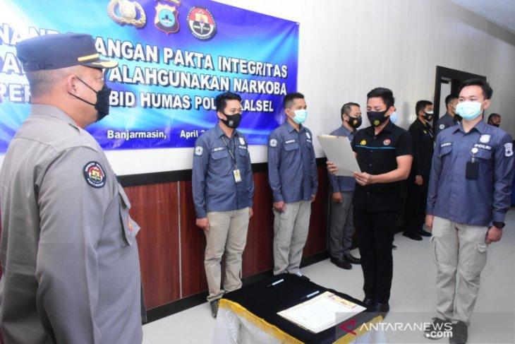 Personel Bid Humas Polda Kalsel komitmen anti narkoba