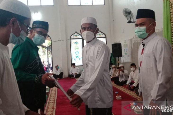 Bupati-Wabup serahkan bantuan hibah di dua masjid Desa Bentok Kampung