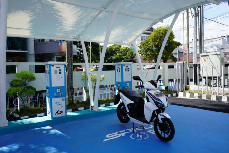 Distributor kendaraan listrik di Ambon  minta PLN tambah SPKLU