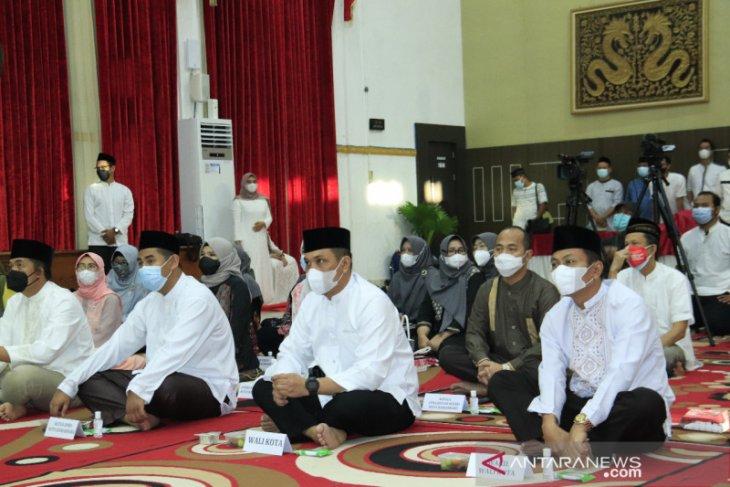 Shalat hajat doakan keselamatan seluruh warga Banjarbaru
