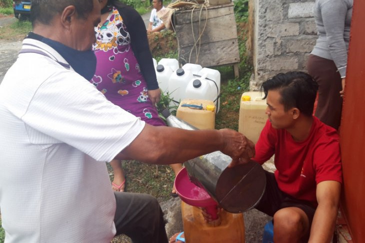 Pemkab Halut usulkan 50 ton minyak tanah untuk pasar murah
