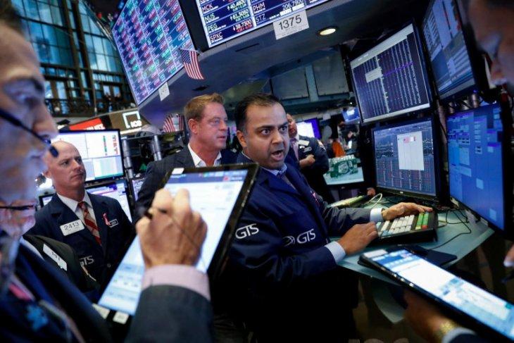 Wall Street ditutup bervariasi, laporan laba dan pertemuan Fed jadi fokus