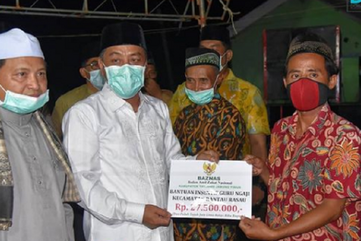 Plh Bupati Tanjabtim gelar safari ramadhan dan serahkan bantuan
