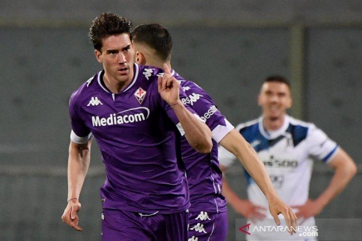 Dusan Vlahovic membawa Fiorentina jauhi ancaman degradasi
