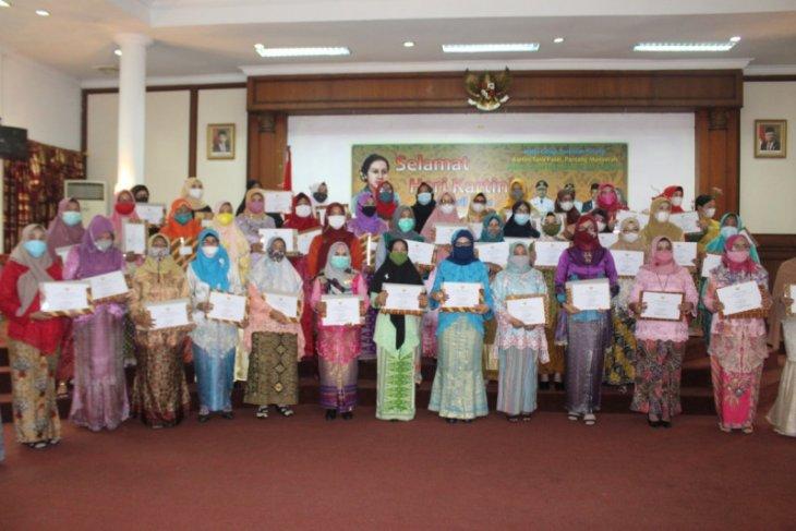 Pemkab Paser beri penghargaan kepada 100 tokoh wanita inspiratif