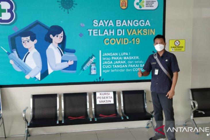 Ratusan ASN dan pegawai Pemkot Banjarbaru divaksinasi