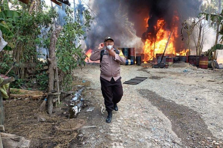 Penyulingan minyak milik Supriono di Padang Tualang Langkat terbakar