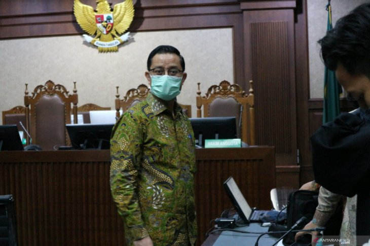 Mantan Mensos Juliari Batubara didakwa terima  suap Rp32,482 miliar