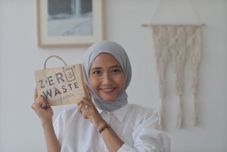 Perempuan pejuang gaya hidup nol sampah