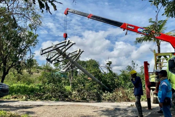 PLN restores power to Sumba's 153 villages hit by Seroja